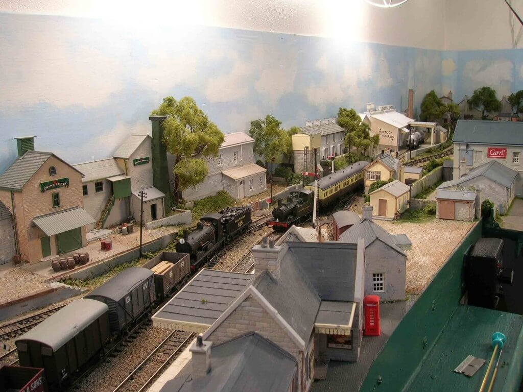 Hintock updated with changed locations for the Water Tower and the Signal Box.
